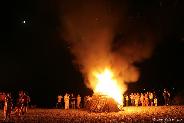 hoguera bonfire san juan salobreña